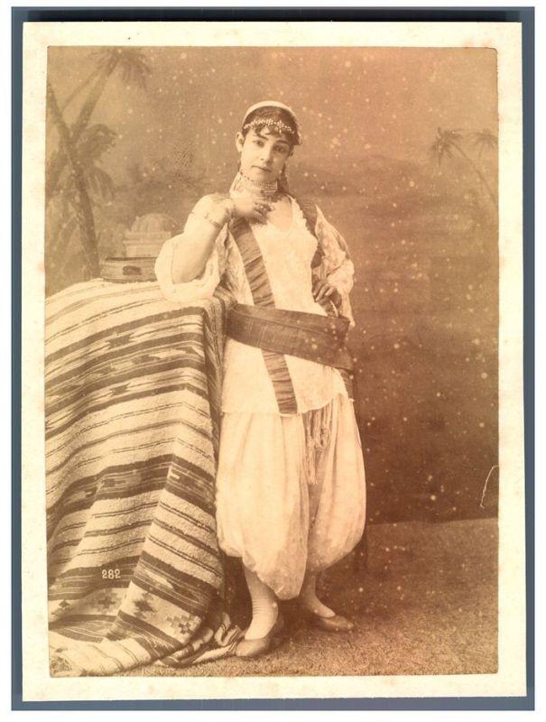 Algérie, Femme algérienne Vintage albumen print. Tirage albuminé 10x14