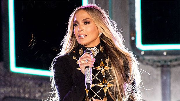 Jennifer Lopez's Sexy Hair In Sweltering Temps — How To Copy Her Frizz-Free Summer Look https://tmbw.news/jennifer-lopezs-sexy-hair-in-sweltering-temps-how-to-copy-her-frizz-free-summer-look  Jennifer Lopez looked stunning on stage as she performed for a giant crowd and millions at home during NYC's Macy's Fourth Of July spectacular. Here's how to copy her hot hair look below!No one wants frizz in the summer but sometimes your hair can't help it! You're probably putting it through a lot —…