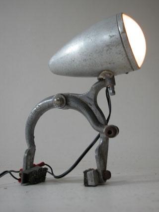 Déco récup : lampe curieuse 2009 REP