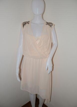 Kupuj mé předměty na #vinted http://www.vinted.cz/damske-obleceni/kratke-saty/9656634-transparentni-asymetricke-saty-tokyo-doll