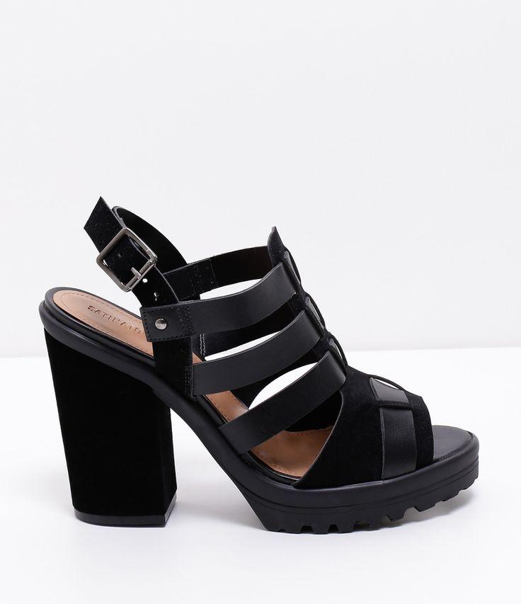 Sandália feminina    Material: sintético    Meia pata    Salto super alto: 10.5 cm     Sola tratorada     Marca: Satinato         COLEÇÃO VERÃO 2017         Veja outras opções de    sandálias femininas.            Sobre a marca Satinato         A Satinato possui uma coleção de sapatos, bolsas e acessórios cheios de tendências de moda. 90% dos seus produtos são em couro. A principal característica dos Sapatos Santinato são o conforto, moda e qualidade! Com diferentes opções e estilos de…