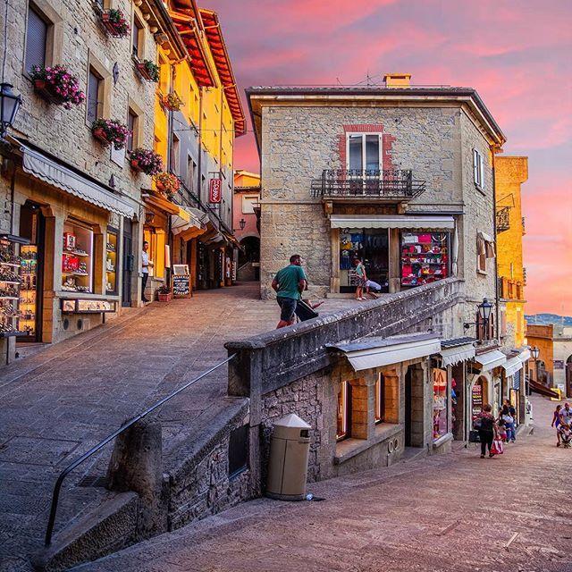 Keep calm & go to visit San Marino 🇸🇲 😄 Che vi passa tutto! 💜 ⋅ ⋅ #bdteam @beautifulbestinations #sanmarino #rimini #emiliaromagna #italy #romagna #nikonitalia #nikon #ig_italy #instaitalia #italian_places #ig_italia #italian_trips #italy_vacations #top_italia_photo #vivo_italia #loves_madeinitaly #igworldclub #ig_europe #ig_europa #living_europe #topeuropephoto #europe_vacations #cbviews #ig_world_colors #Main_Vision #worldplaces #theworldshotz #kings_villages #travellingthrought...