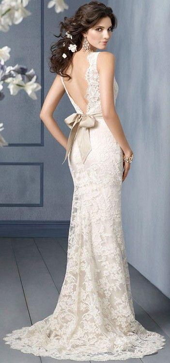 Lace wedding dress Love Deep v back style