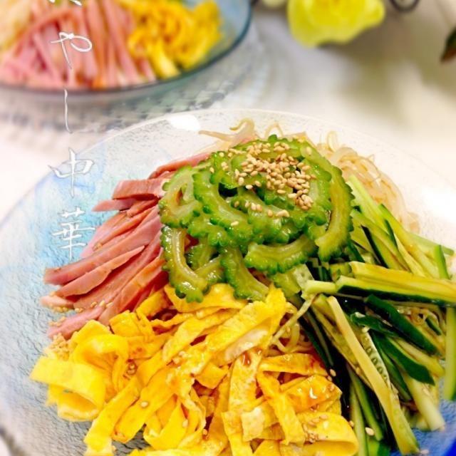 皆さんに便乗して、噂のマルちゃん正麺使ってみました( ・◡・ )♫•*¨*•.¸¸♪ なんか足りないと思ったら…紅ショウガヽ(;▽;)ノ 食べた後に気付きました。ちーん。 - 177件のもぐもぐ - ゴーヤナムルde冷やし中華 by yurie616