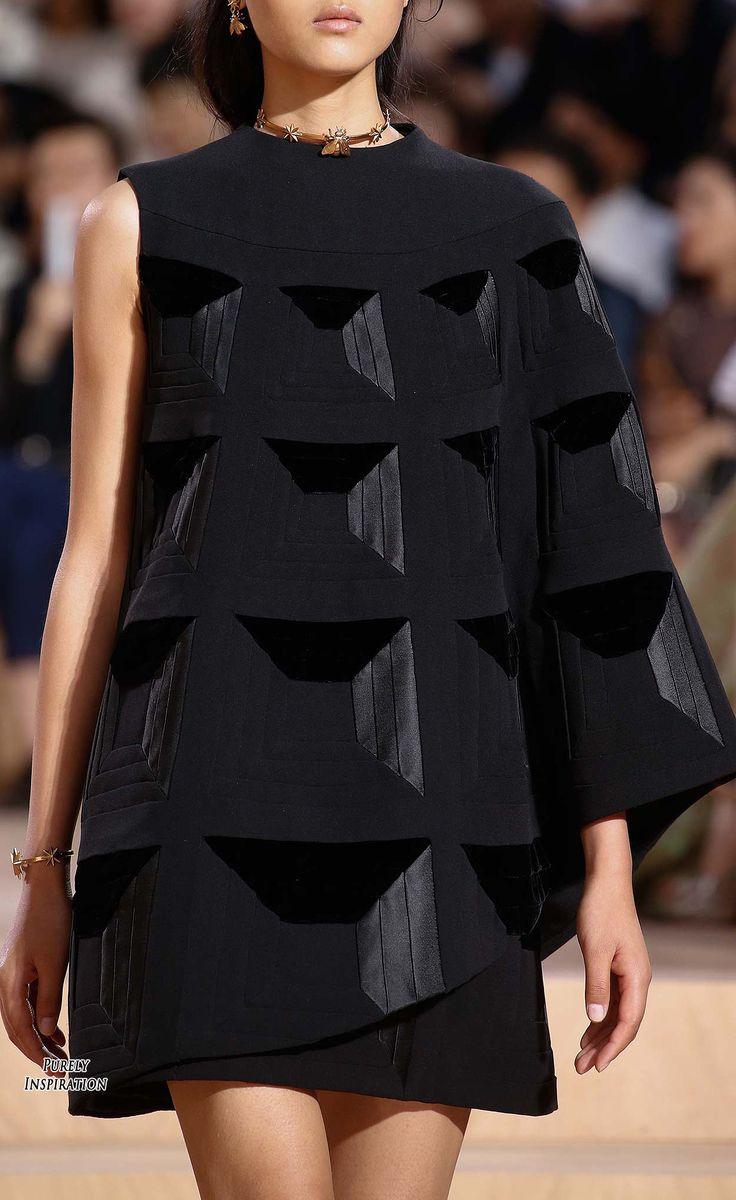 Valentino Fall 2015 Haute Couture Women's Fashion | Purely Inspiration:
