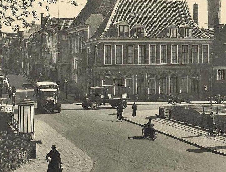 Groningen<br />De stad Groningen: De Boteringebrug in 1940