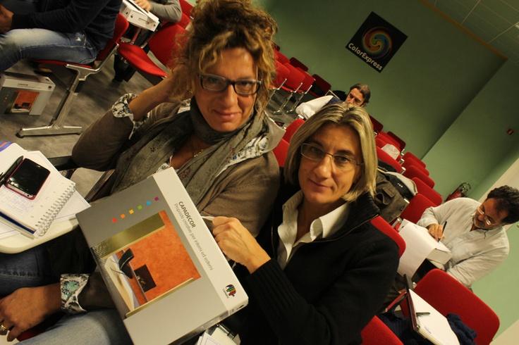 In occasione dei corsi Caparol dota i corsisti di pratici cofanetti con le sue proposte creative.