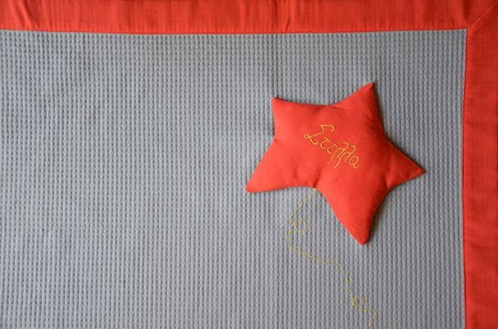 https://www.facebook.com/circulobebe ★ Stella means star... A blanket for little Stella..made of grey cotton & coral linen..and hand embroidered..!!