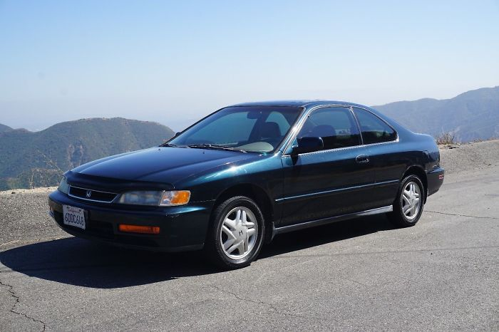 Boyfriend Comes Up With Genius Idea How To Sell Girlfriend's 1996 Honda Accord, And Everyone Wants To Buy It Now