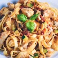 Cremet pasta med kylling - nem hverdagsmad