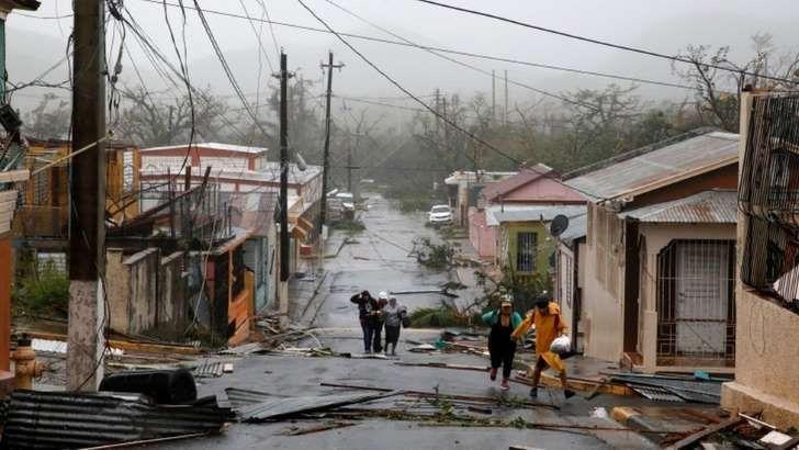 <p>El gobernador de Puerto Rico, Ricardo Rosselló, informó que una persona murió hoy en la isla a causa del huracán María, elevando a 9 la cifra provisional de fallecidos por este poderoso huracán en todo el Caribe.</p>