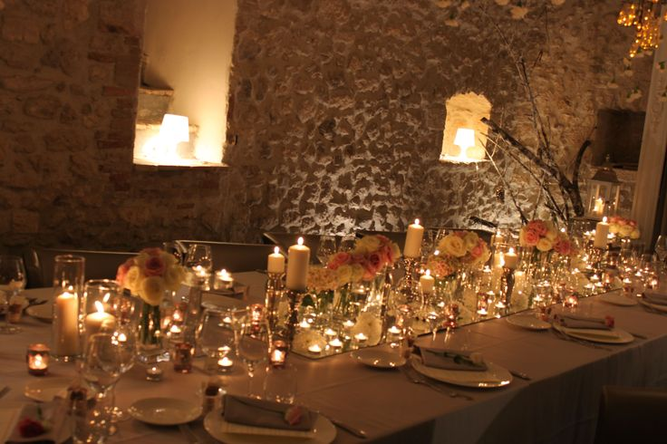 Roses, mirrors, candles. Romantic wedding