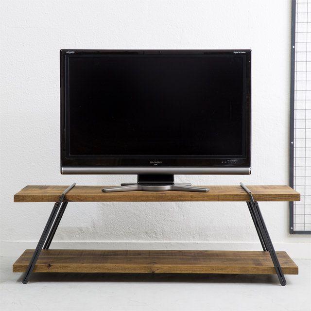- Dichotomic / ディコトミック- が製作・販売を行う、【 工具不要 】足場板アイアンテレビボード 選べるカラー&サイズの商品ページです。アイアン脚に足場板を差し込むだけで完成するテレビボードなので、工具不要で誰でも簡単に組み立てることができます。足場板は非常に丈夫なので、重量のあるテレビを載せても安定感抜群。天板の仕上げには当店オリジナルカラーのオイルワックス仕上げているので、部屋のインテリアに合わせてお選びいただけます。シンプルで雰囲気のあるテレビボードを探している方におすすめです。