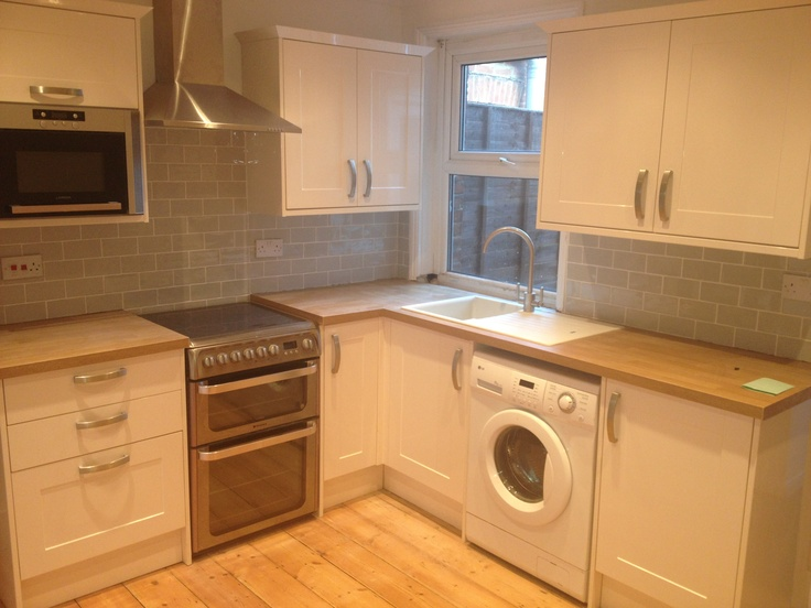 Simple Kitchen Tiles Ideas Pictures Cream Units Burford Gloss With Grey Craquele Subway For Decor