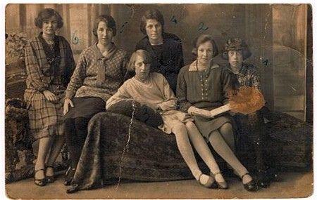 Philipsmeisjes by Brabant Bekijken, via Flickr