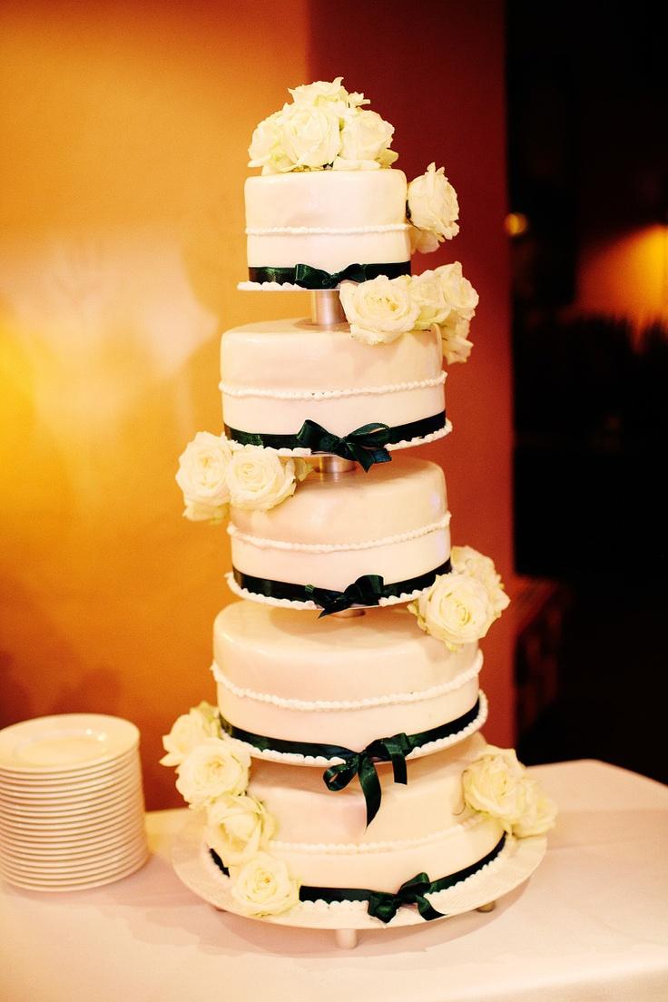 Hochzeitstorte 5-stöckig mit weißen Rosen Torte  wedding cake with white roses