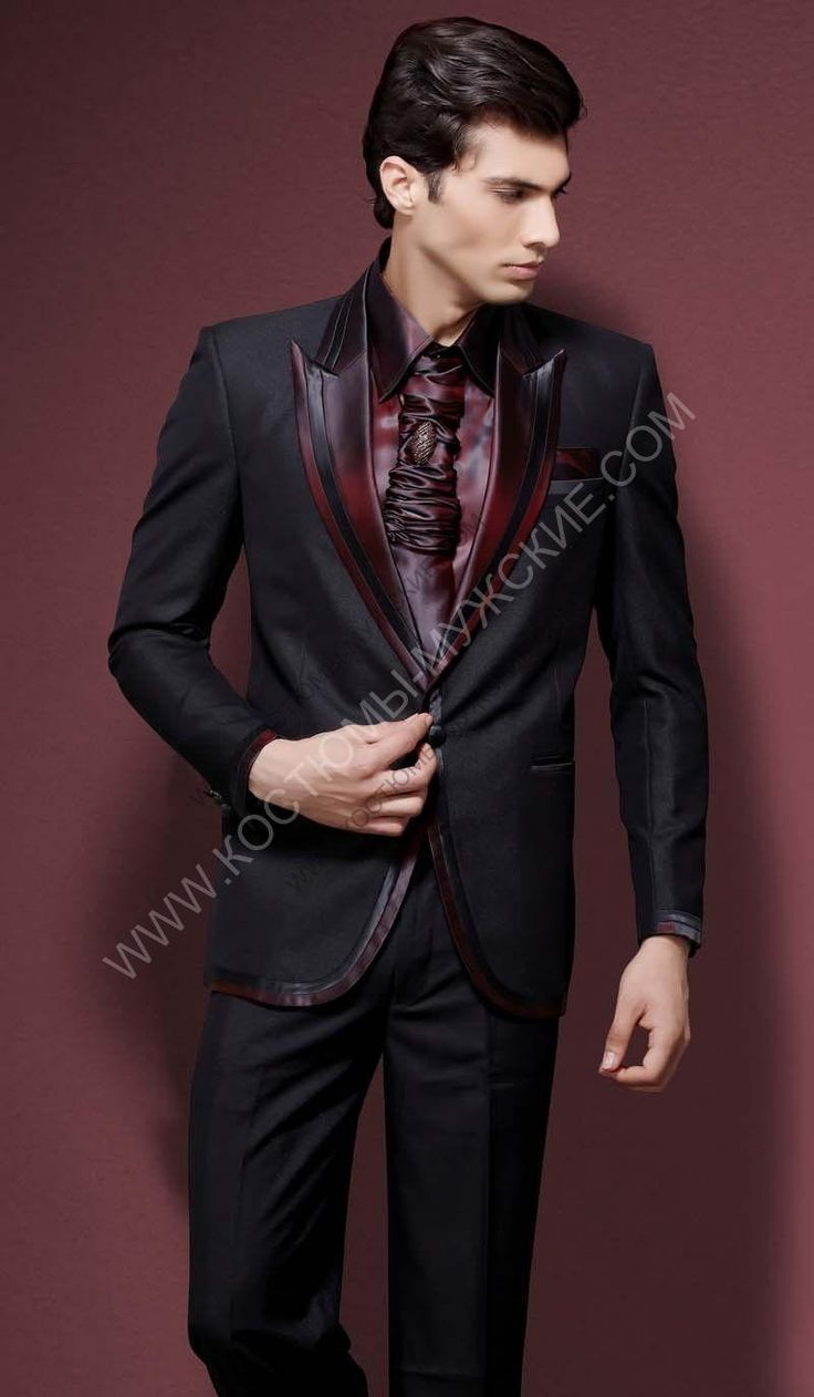 Чёрный мужской костюм-двойка + бордовая рубашка + галстук с брошью