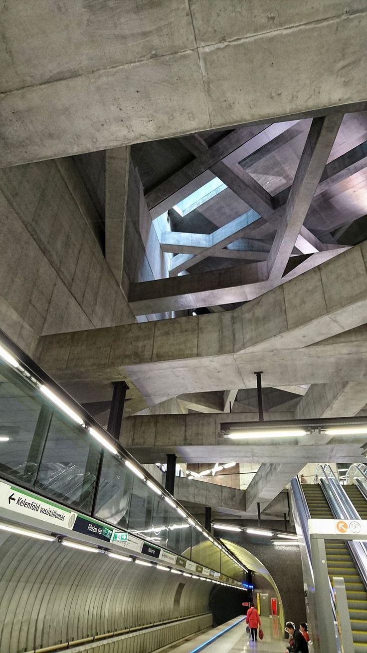 Fővám tér, Budapest Metro
