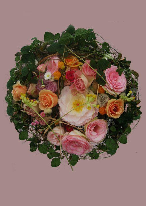 Bridal with forest strawberries, pions and gardenroses