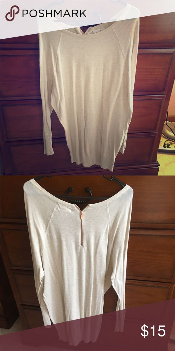 Adorable long sweater! Perfect with leggings😊 Never worn. Bought from TJ max a few months ago. Looks adorable I just don't wear it! Sweaters