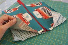 Pencil case w/ zip & lining... Fabulous, easy to follow instructions :)
