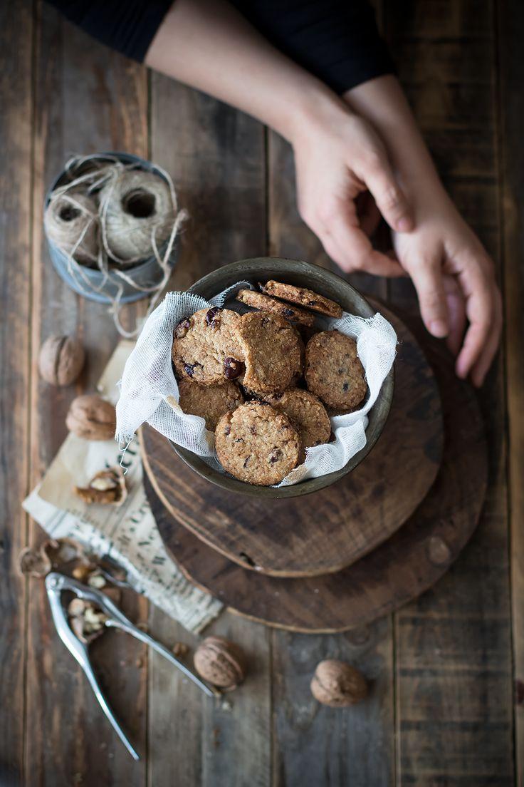 Biscotti di farro ai mirtilli e noci pecan (ricetta vegana)