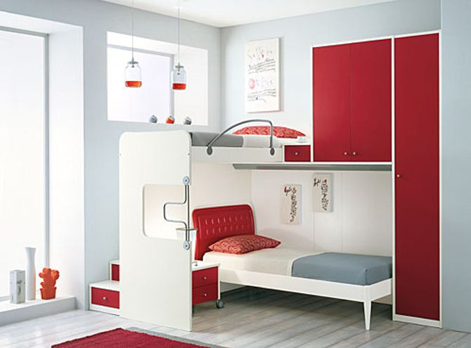 A creative way to make a small room work for two girls for Creative beds for small spaces