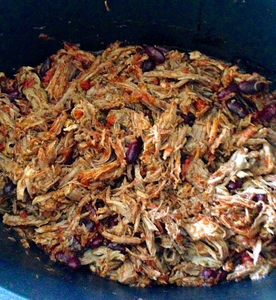 Mexican shredded beef in the slow cooker via Claire K Creations www.clairekcreations.com