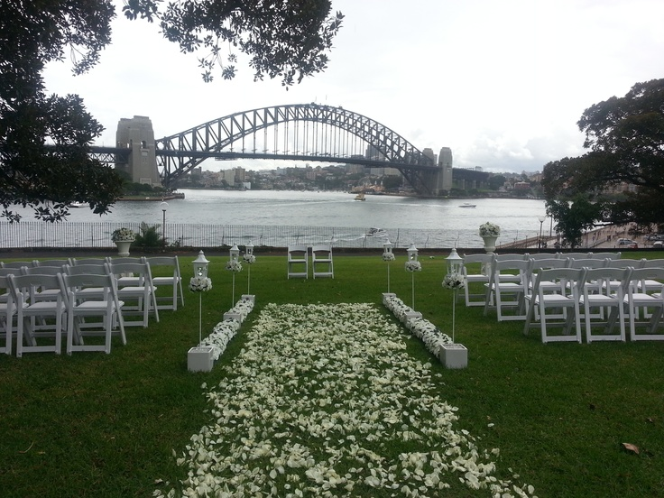 Tarpeian Lawn, Sydney Harbour  Photo by Lillian Lyon Marriage Celebrant www.lyonheart.com.au