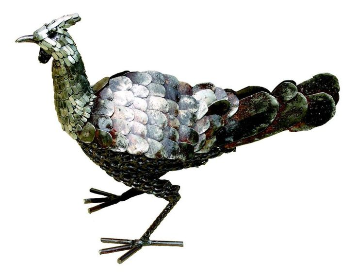 Hen metal bird sculpture