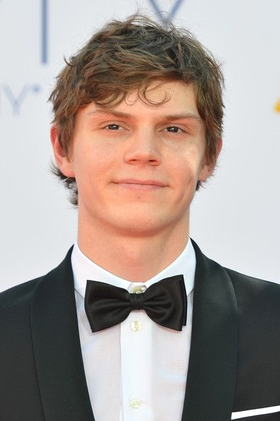 EP is going to kill it this season on AHS. I don't care if he is playing as lobster boy. He's still adorable lol