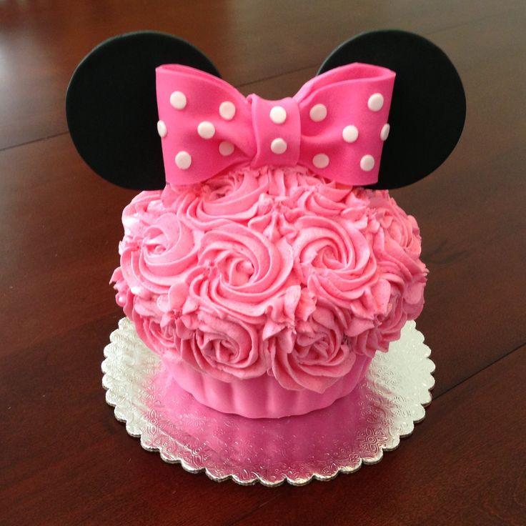 Minnie Mouse Big Cupcake by www.amberslittlecupcakery.com