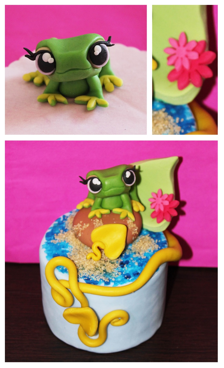 Cute froggy topper