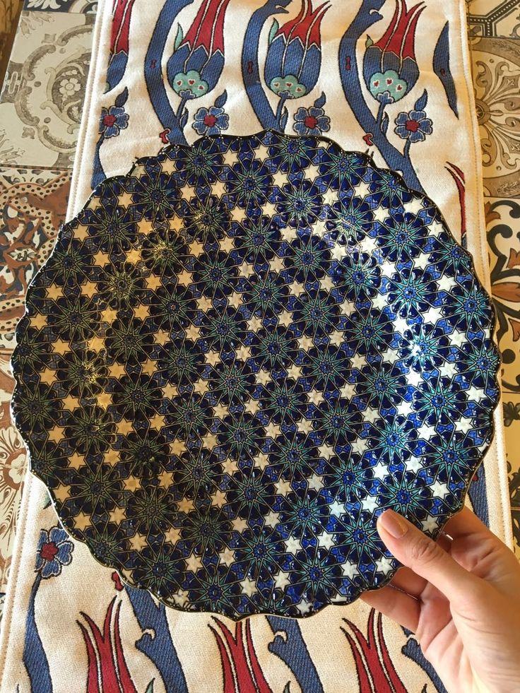TURKISH CERAMIC PLATE, 30 cm, RELIEF DAISY DETAILS