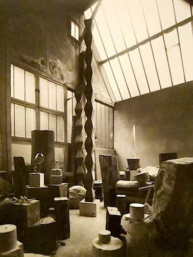 Source : http://only-romania.com/2013/01/constantin-brancusi-and-his-work/