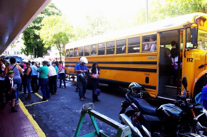 50 sancionados por transporte irregular de estudiantes
