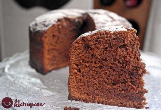 El mejor bizcocho de chocolate del mundo - Recetasderechupete.com