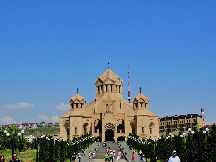 The Saint Gregory The Illuminator Cathedral in Yerevan, Armenia. What to do in Yerevan for one week. #visit #wanderlust #religious #cathedral #travelblog #traveltips