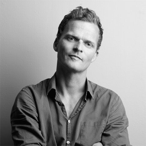 ANDREAS ENGESVIK (designer). Born in 1970, he graduated in history of art from Bergen University (1991/1995) and then studied design at the National College of Art and Design. In 2000 he received his degree in design and in the same year founded the Norway Says studio.- More @ www.fontanaarte.com #fontanaarte #light #designers