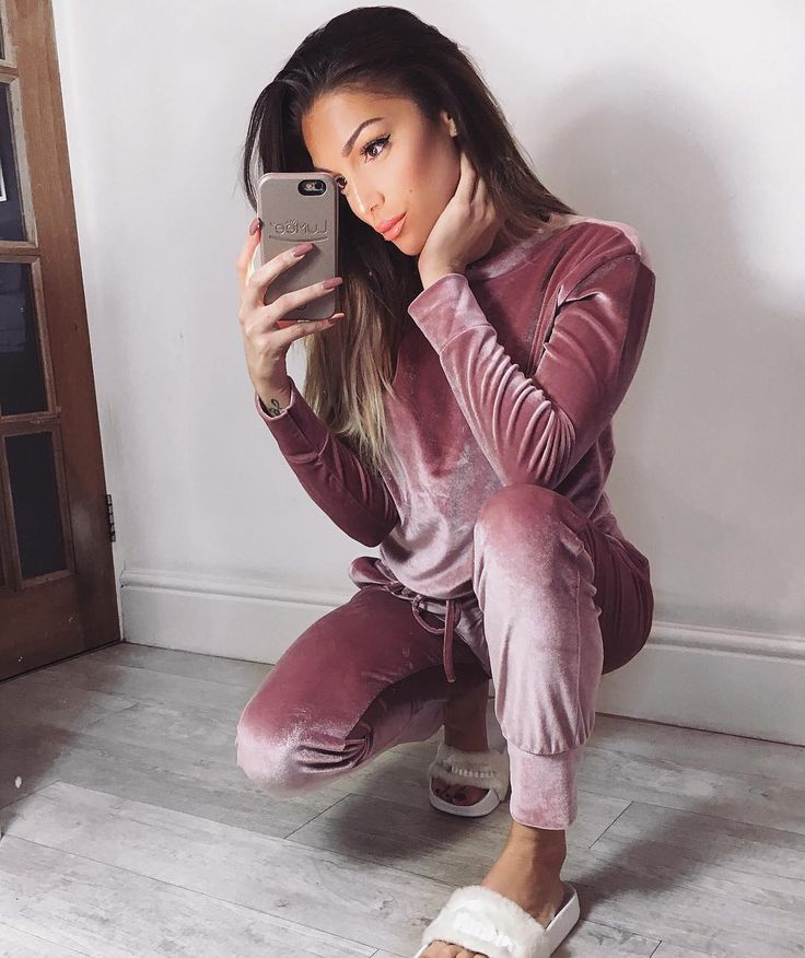 "Katerina Themis 🐱 on Instagram: ""Ahhh! So in love with this velvet loungewear set from @soclicheclo 💕💕💕 15% off your order with code KATERINA 💕"""