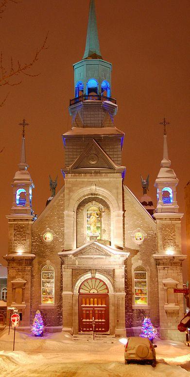 Christmas at Notre-Dame-de-Bon-Secours Chapel (the Sailors' Church) in Old Montreal, Quebec, Canada. Photo: Lee Sanborn