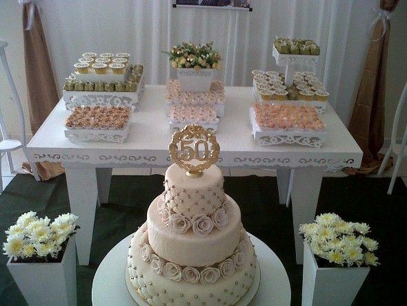 Decoração para festa de bodas de ouro 003: