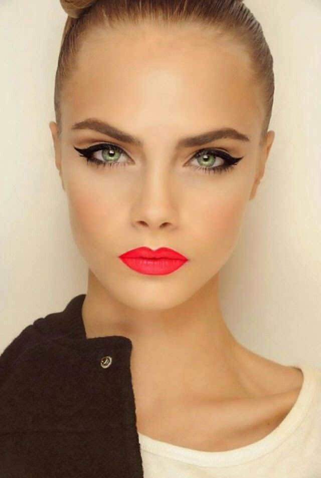 Like the idea of bright lips with a fun cat eye! #MakeupInspiration