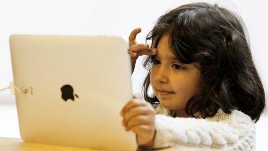 ¿Por qué Steve Jobs no dejaba que sus hijos tocaran el iPad? - RT