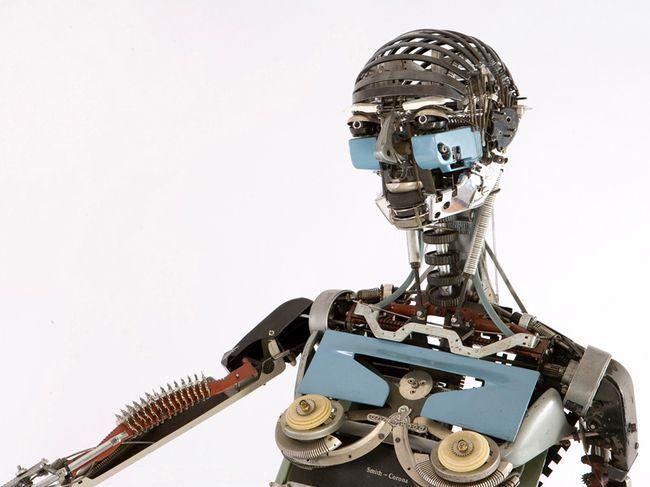 Cкульптуры людей и животных из запчастей от старых пишущих машинок. Есть на что посмотреть!