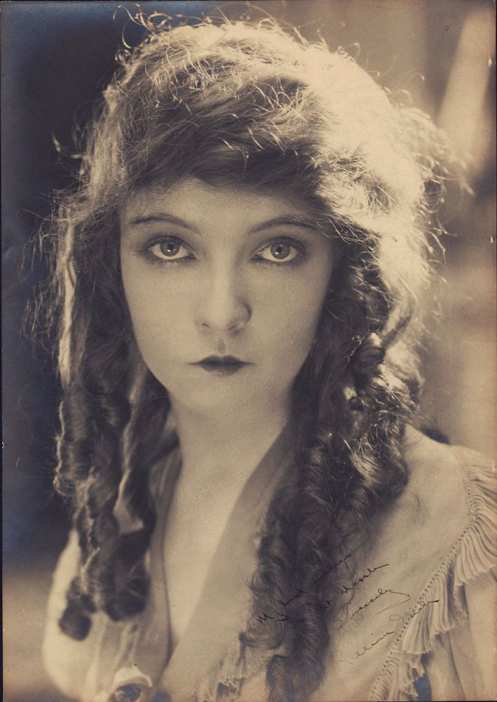 Rarest LILLIAN GISH VINTAGE 1910s SIGNED OVERSIZE Doubleweight PHOTO AUTOGRAPHED #AutographedPhoto