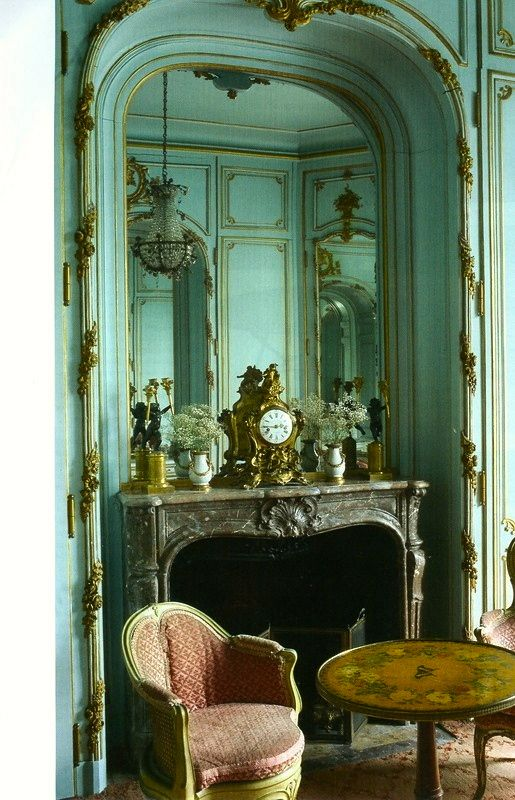 Private Apartment At Chateau De Chales Established As A Paris Museum In 1875 By Nelie Jacquemart The Louis XVI Empress Style World Of Interiors Sept