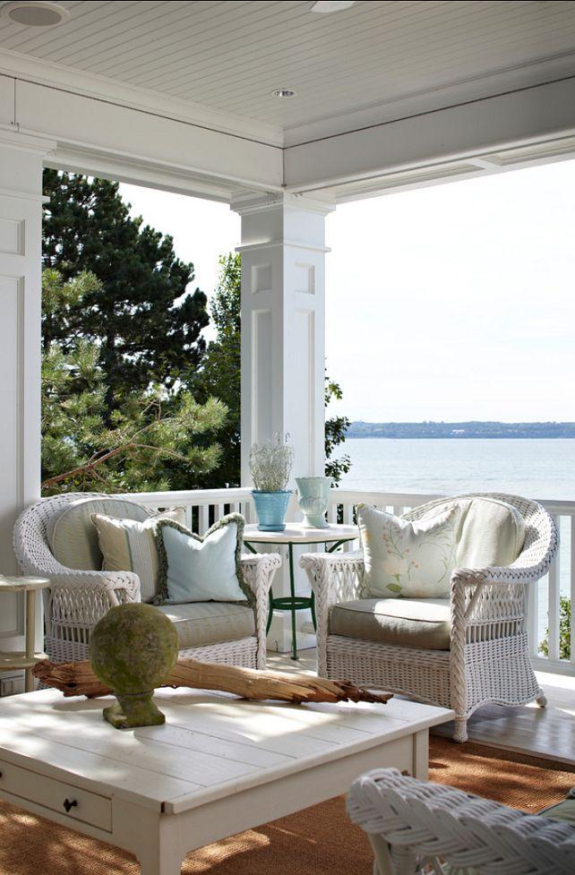 upper level and lower level posts on verandah