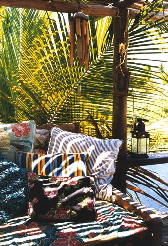 Sig Bergamin.  AD July/05...chill beachy lounge spot