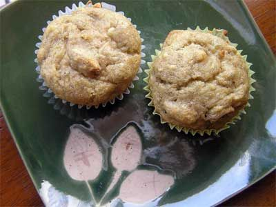 Gluten free banana nut muffins (she tells you her substitutions - then click on recipe link!)
